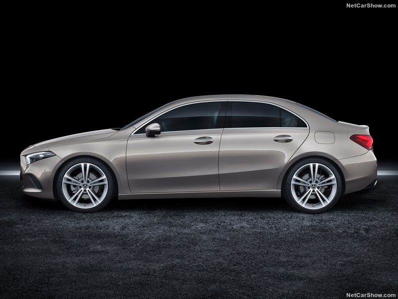 Mercedes-Benz-A-Class_Sedan-2019-800-25.jpg