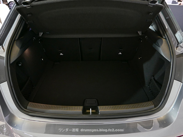 Mercedes-Benz_Aclass19.jpg