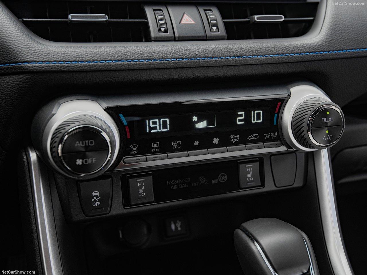Toyota-RAV4_Hybrid_EU-Version-2019-1280-73.jpg