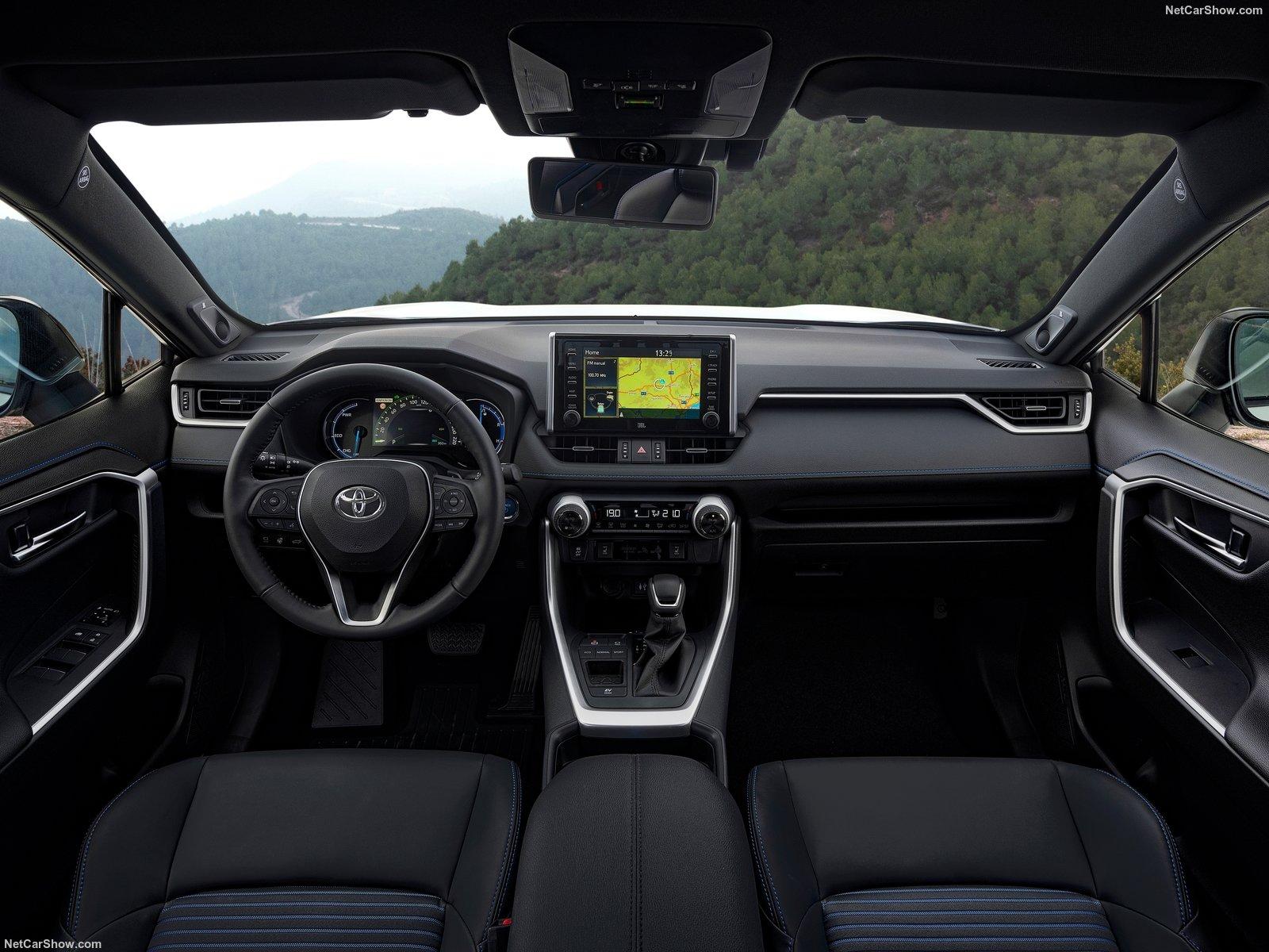 Toyota-RAV4_Hybrid_EU-Version-2019-1600-6c.jpg