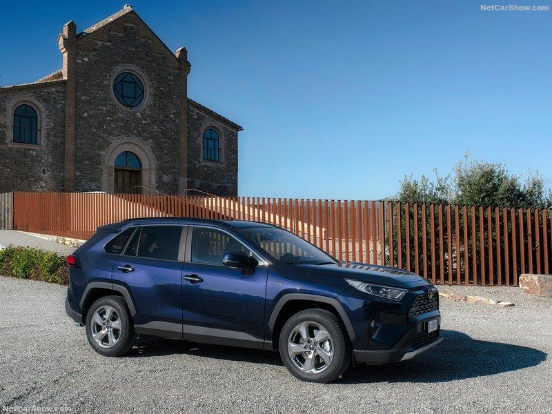 Toyota-RAV4_Hybrid_EU-Version-2019-800-0c.jpg