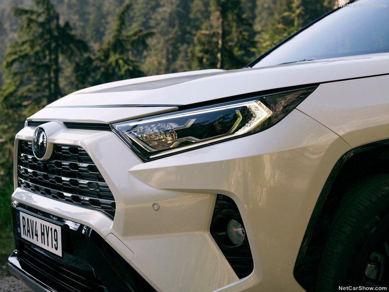 Toyota-RAV4_Hybrid_EU-Version-2019-800-81.jpg