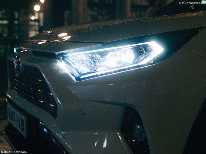 Toyota-RAV4_Hybrid_EU-Version-2019-800-83.jpg