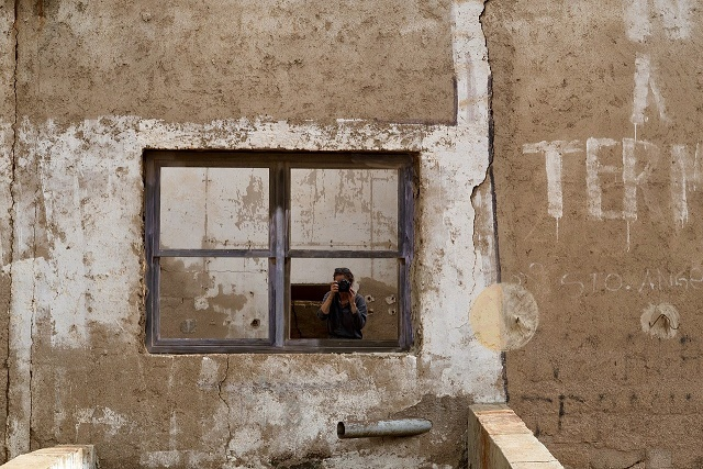 window-2898044_1280[640]