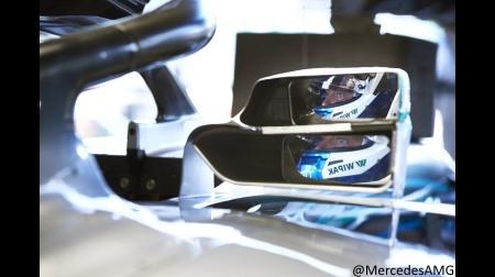 F1マシンの後方視界を改善するためにミラーの死角をリアモニターでカバーするのはどうか?