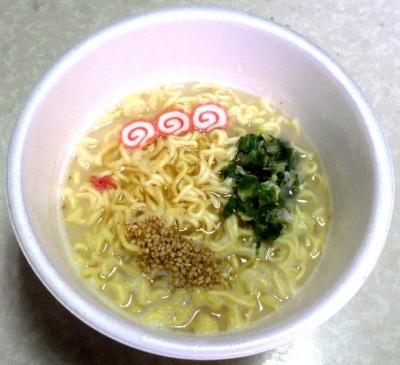 7/2発売 復刻版 スーパーとんこつラーメン 博多味(できあがり)