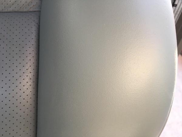 レザーシート 傷 ひび割れ補修 ベンツ300CE