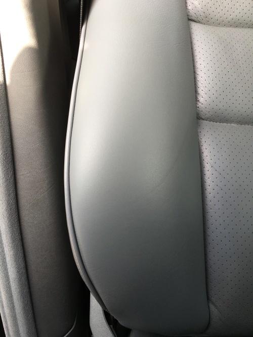 レザーシート 擦れ・ひび割れ補修 ベンツE320(W124)