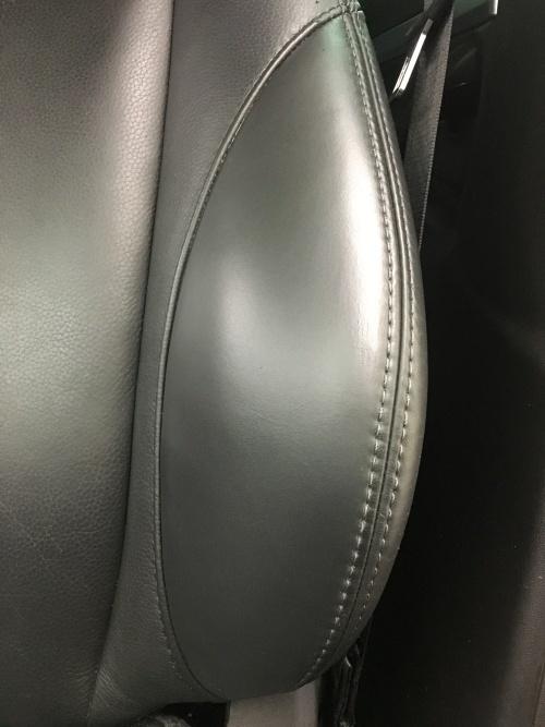レザーシート 擦れ ひび割れ 補修 サーブ9-3