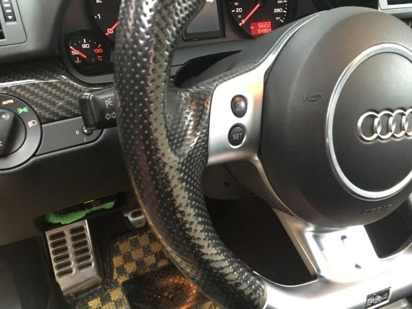 ステアリング 擦れ補修 アウディ RS4