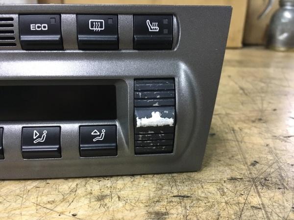 エアコンスイッチ 塗装剥がれ補修 ポルシェ911(997)