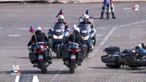 パリ祭パレード