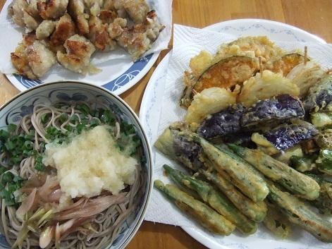 冷蕎麦、天ぷら、唐揚げ