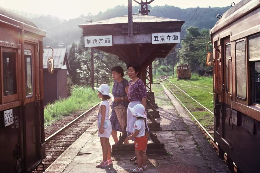 蒲原鉄道 七谷 夏のホーム1 1981年8月31日 55mmf28 take2b