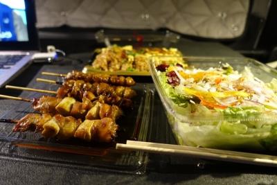 ヨークベニマルの惣菜で夕食
