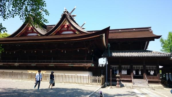 吉備津神社拝殿・本殿