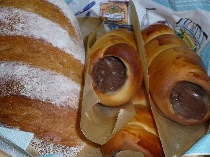 ライ麦パンとチョココロネ