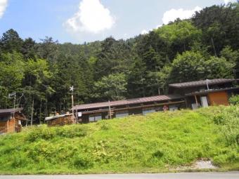 大平山荘此処から登り始める1月80804