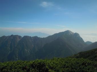 甲斐駒ヶ岳、鋸山ずーとみえている180805
