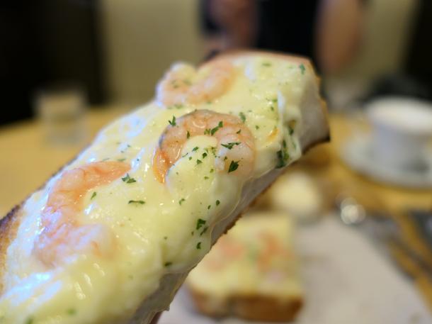 えびグラタンチーズトースト