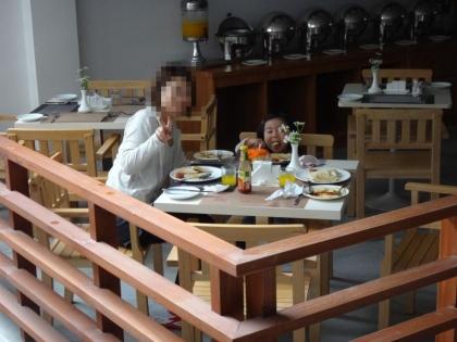 クレディビーチインの朝食ビッフェ