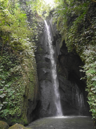 ペンジェンブの滝