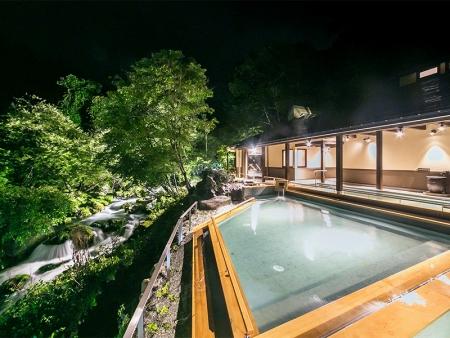 滝の湯 露天風呂2