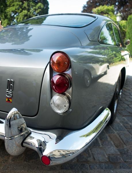 Aston-Martin-DB5-tail-lights.jpg