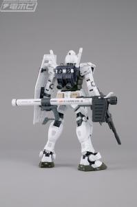 MG AAPE RX-78-2 GUNDAM GRN-CAMO (1)