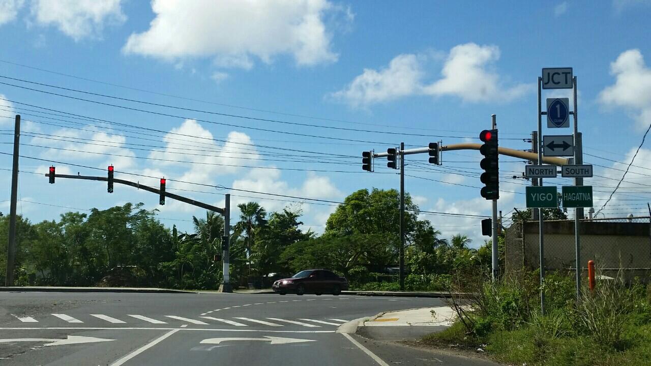 アメリカ グアム 左右矢印信号