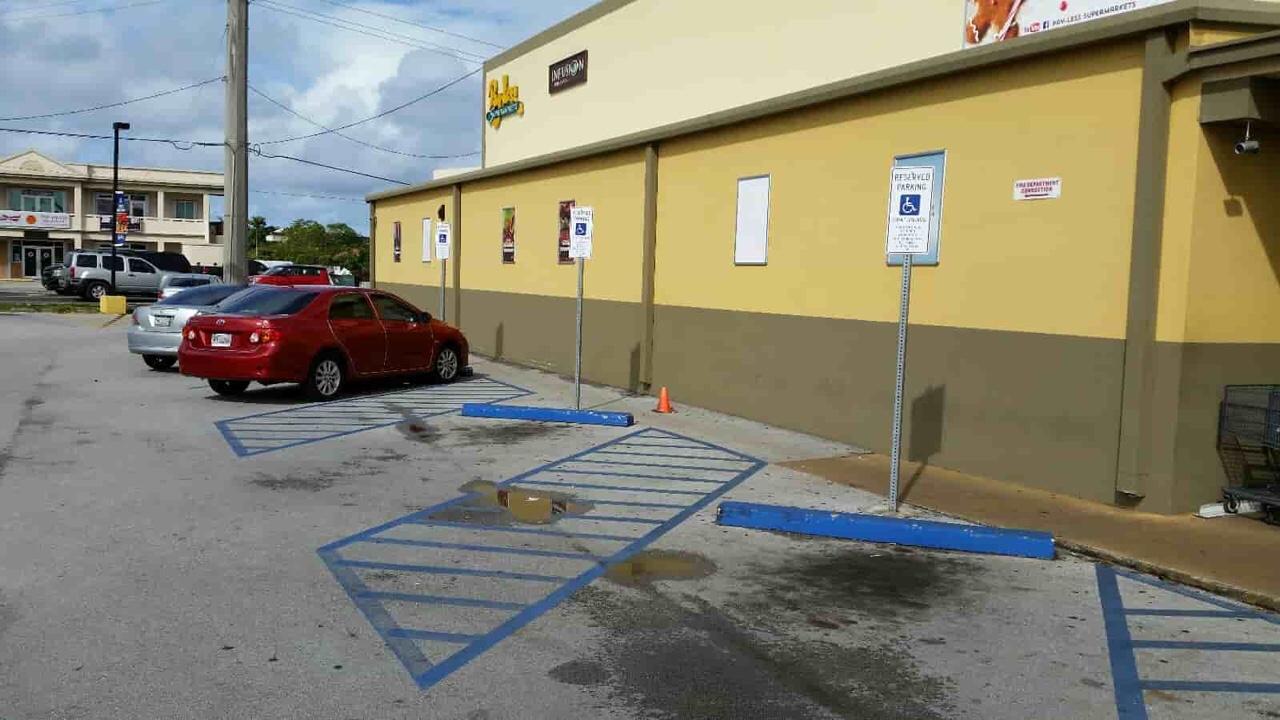 アメリカ グアム Reserved Parking