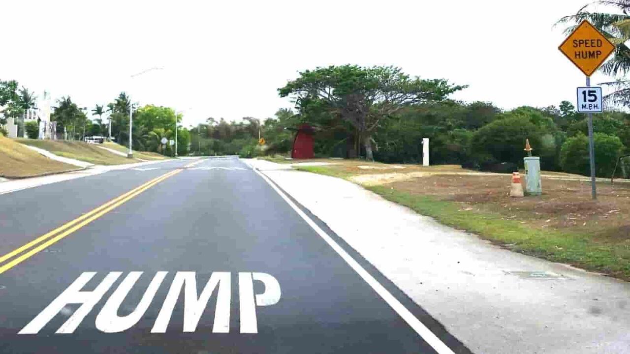 アメリカ グアム 標識 Hump