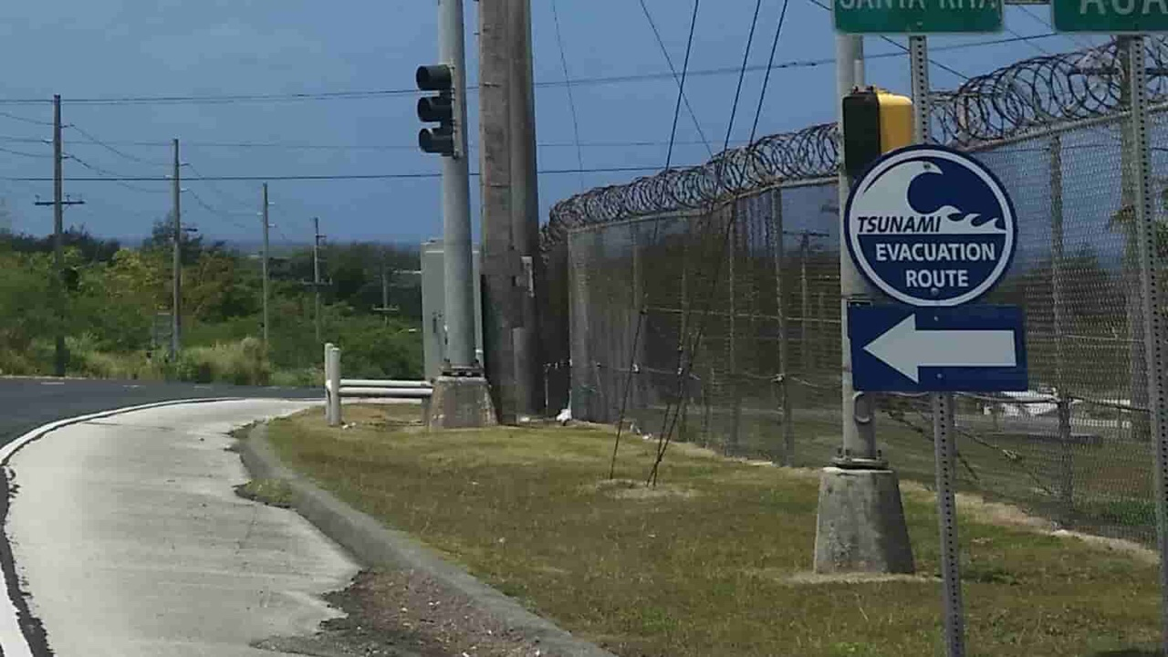アメリカ グアム 標識 Tsunami Evacuation Route