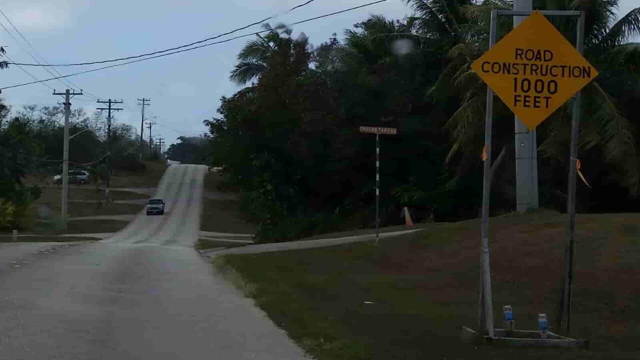 アメリカ グアム 標識 Road Construction