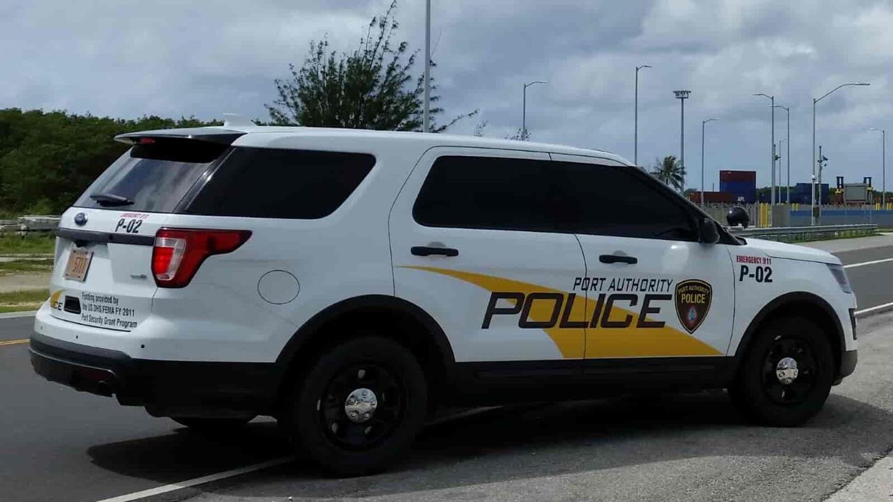 アメリカ グアム パトカー 港湾警察