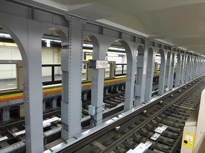 博物館動物園駅02