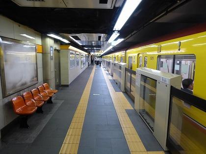 博物館動物園駅03