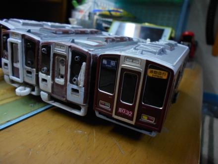 座席をたためる電車、阪急8200系をプラレールで作ろう!その1