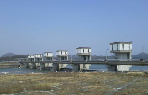 19加古川大堰全景