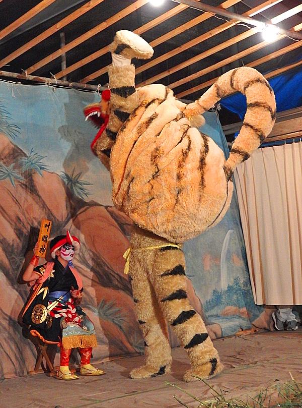 180609,虎踊り 浦賀 為朝神社06