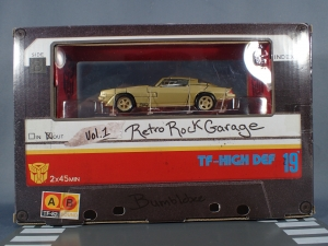 SDCC 2018 Bumblebee Retro Rock Garage Gold Bumblebee (8)