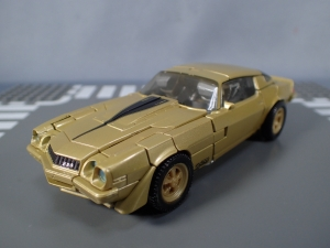SDCC 2018 Bumblebee Retro Rock Garage Gold Bumblebee (10)