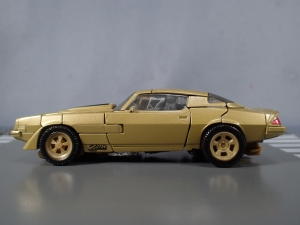 SDCC 2018 Bumblebee Retro Rock Garage Gold Bumblebee (12)