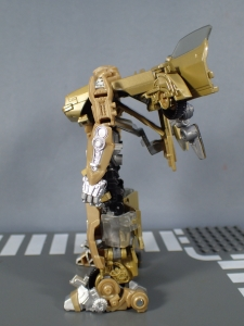 SDCC 2018 Bumblebee Retro Rock Garage Gold Bumblebee (24)