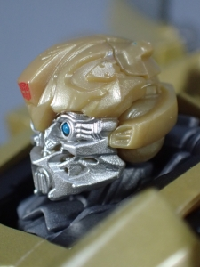 SDCC 2018 Bumblebee Retro Rock Garage Gold Bumblebee (26)