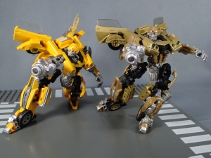 SDCC 2018 Bumblebee Retro Rock Garage Gold Bumblebee (29)