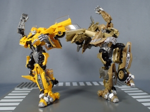 SDCC 2018 Bumblebee Retro Rock Garage Gold Bumblebee (30)