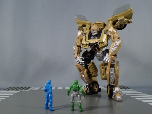 SDCC 2018 Bumblebee Retro Rock Garage Gold Bumblebee (33)