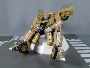 SDCC 2018 Bumblebee Retro Rock Garage Gold Bumblebee (34)