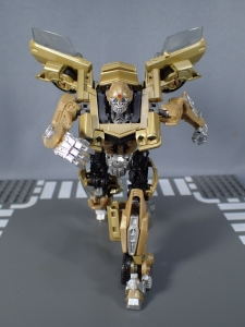 SDCC 2018 Bumblebee Retro Rock Garage Gold Bumblebee (35)